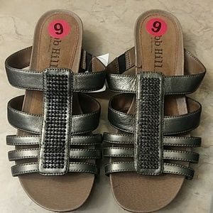 Womens sandals pewter NWT